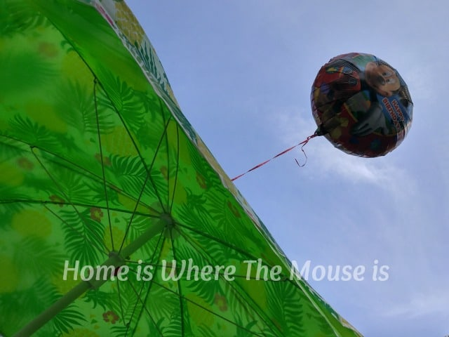 Fly a helium balloon from your beach umbrella so you can spot your location from anywhere